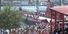 Kenya - The Mombasa ferry (Baraka)